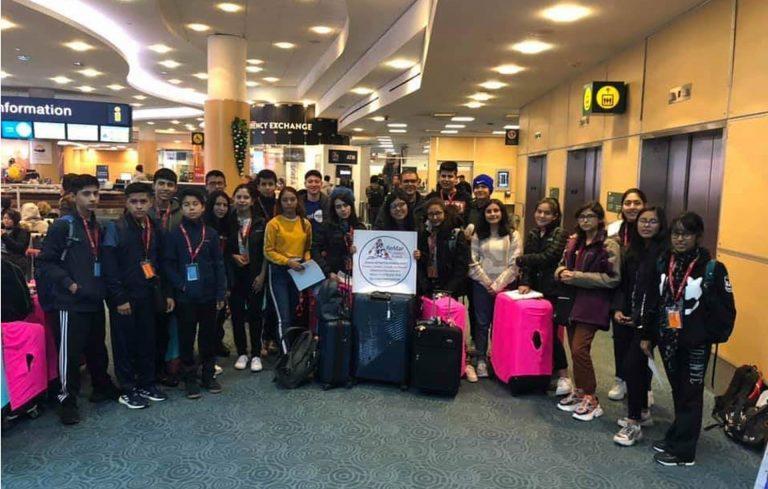 Recepción de nuestra delegación en el aeropuerto de Vancouver por personal de la agencia ReMar to Canadá.