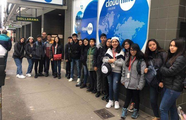 Delegación del Colegio del Pilar en las instalaciones del Cloud Nine College en Vancouver, Canadá.
